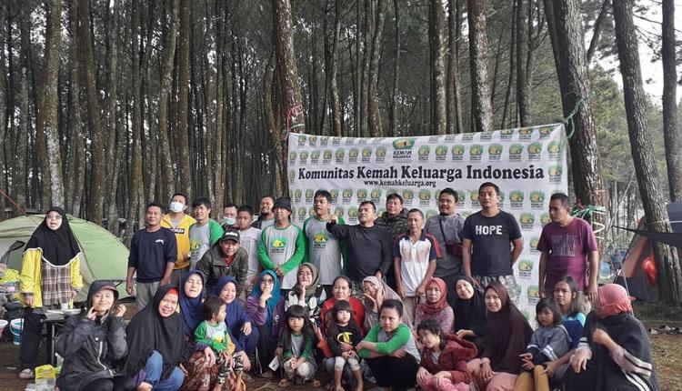 komunitas travel Komunitas Kemah Keluarga Indonesia 3
